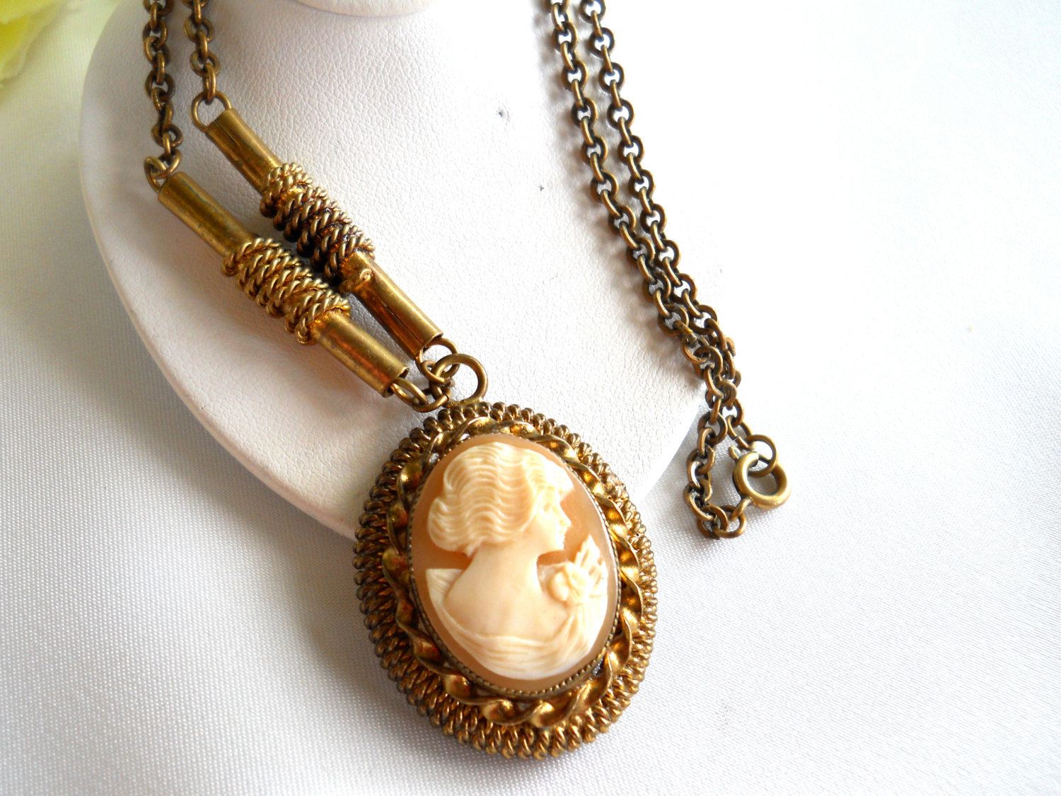 Carved Shell Cameo Pendant Necklace Victorian Style Vintage