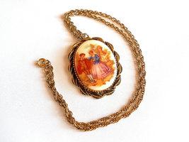 Pendant Necklace Fragonard Transfer Pattern on Porcelain Vintage image 2