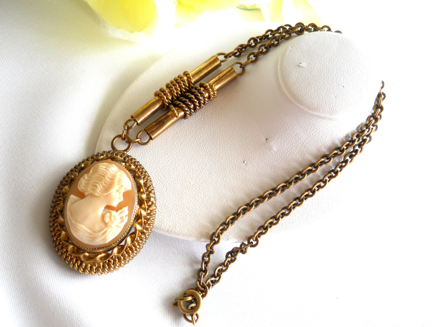 Carved Shell Cameo Pendant Necklace Victorian Style Vintage image 4