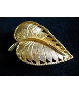 Signed BSK Textured Gold Tone Leaf Brooch Pin Vintage - $15.00