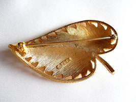 Signed BSK Textured Gold Tone Leaf Brooch Pin Vintage image 5