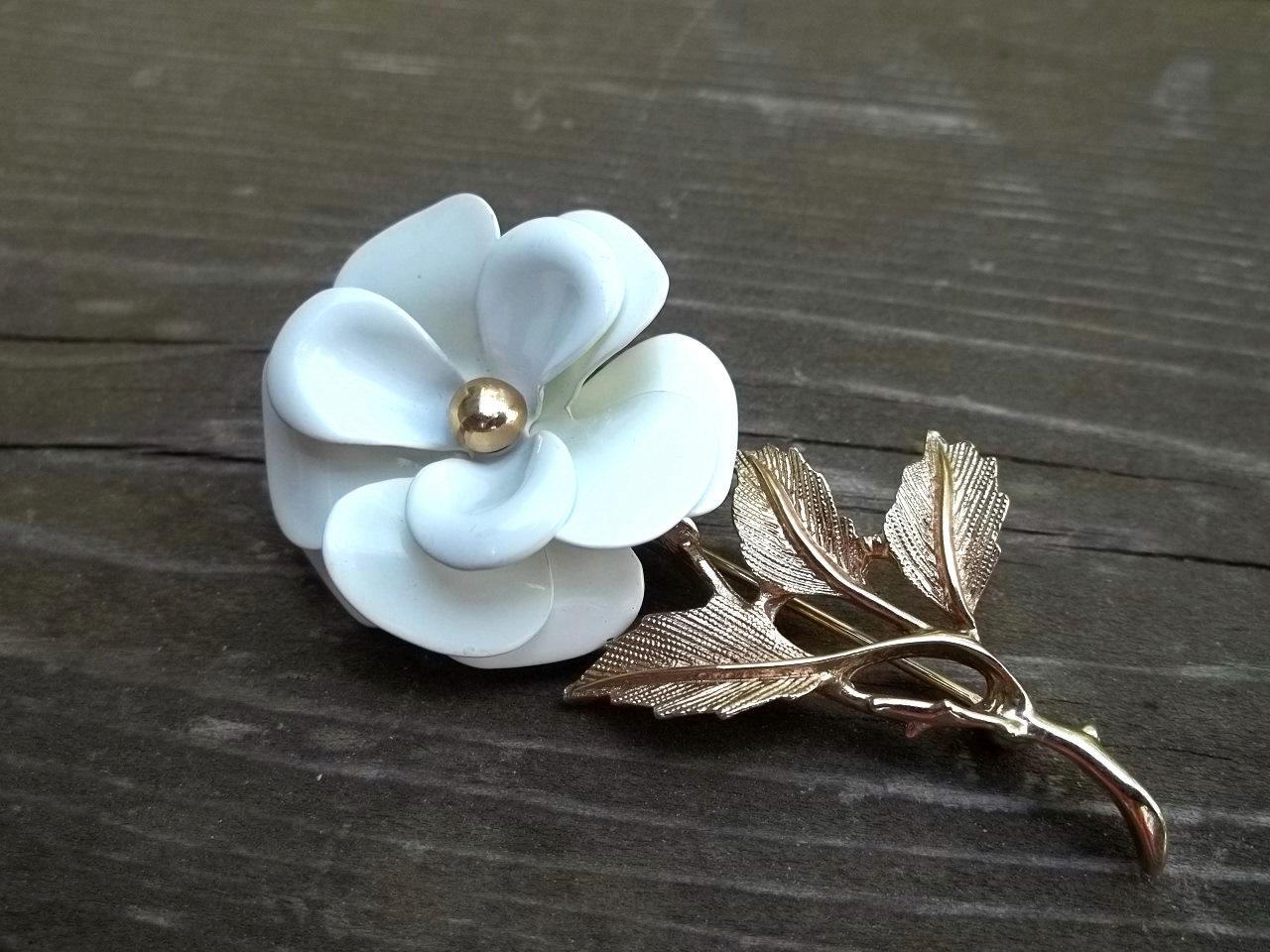 Avon White Enamel Stemmed Flower Brooch Pin And 40 Similar Items