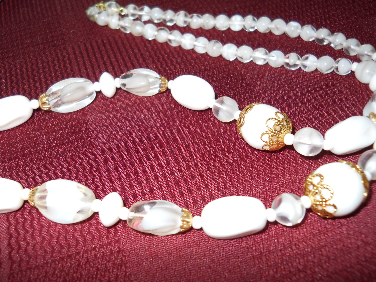 """Beaded Necklace 24"""" Milk Glass and Givre Glass Gold Tone image 5"""