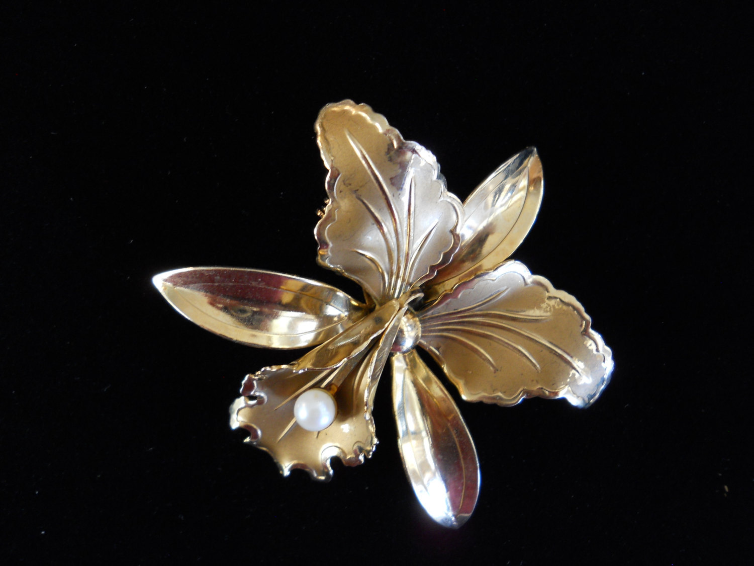 Orchid Flower Brooch Pin Gold Tone Faux Pearl Center Vintage