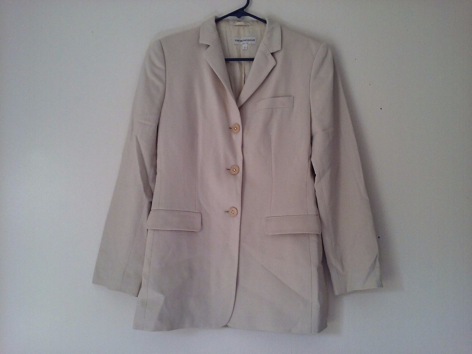 Great Condition Emporio Armani Size 6 100% Wool Cream Suit Jacket Button Up