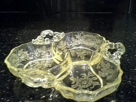GORGEOUS VINTAGE CAMBRIDGE GLASS YELLOW LORNA ETCH DIVIDED DISH - $65.00