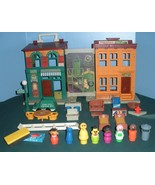 Vintage Fisher Price Play Family #938 Sesame St. House Complete/NEAR MIN... - $185.00