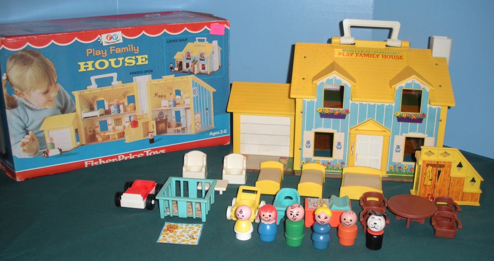 Vtg. Fisher Price Play Family #952 Yellow House Comp + Bonus and Box/NR MINT! I