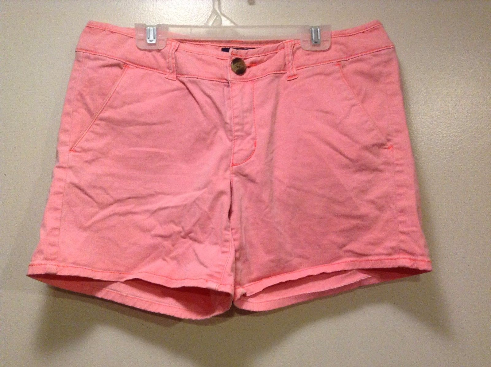 Great Condition American Eagle Midi Size 6 Cotton Blend Hot Pink Shorts