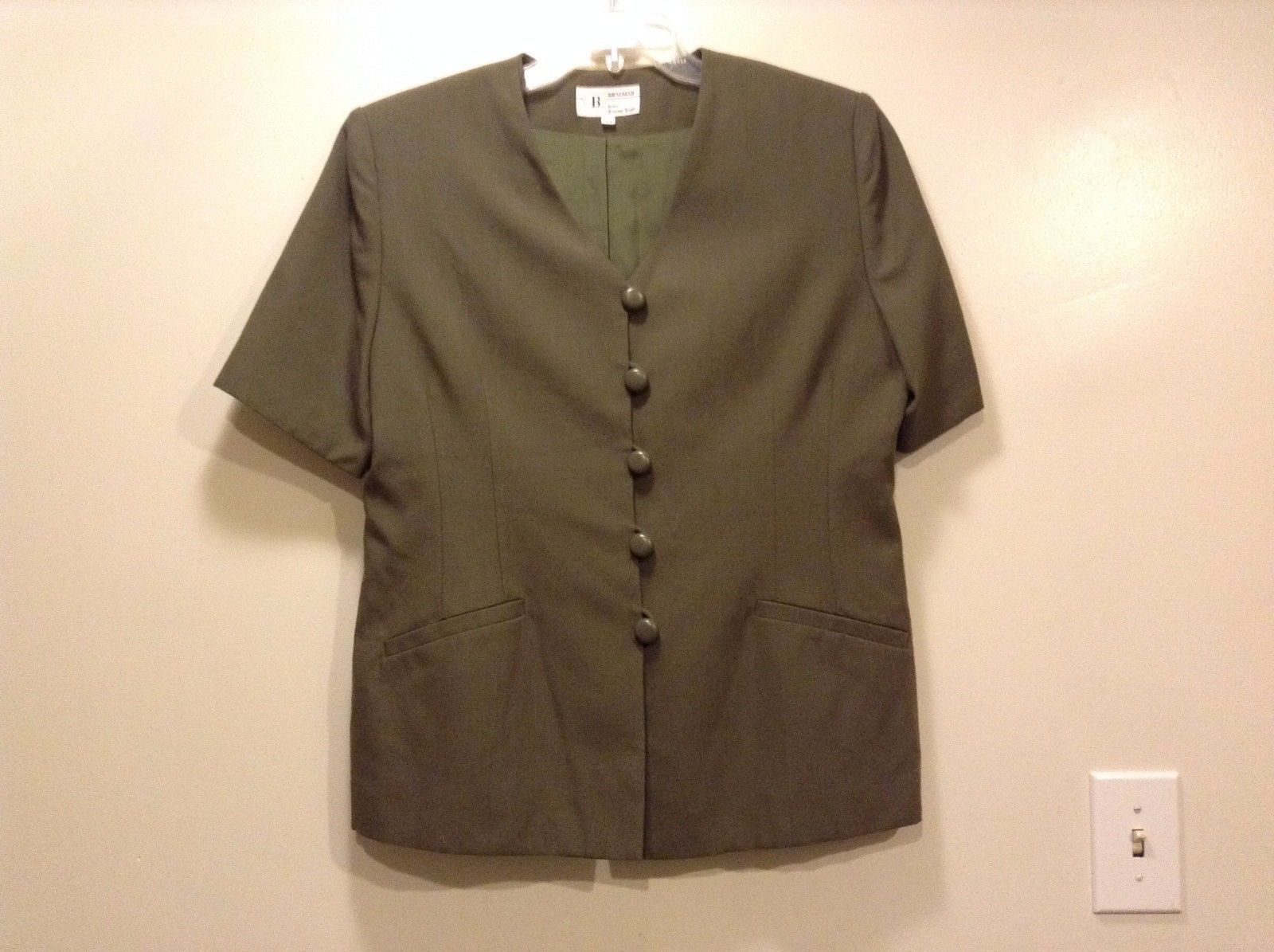 Great Condition Braemar Size 14 Polyester Viscose Blend Olive Buttoned Blouse