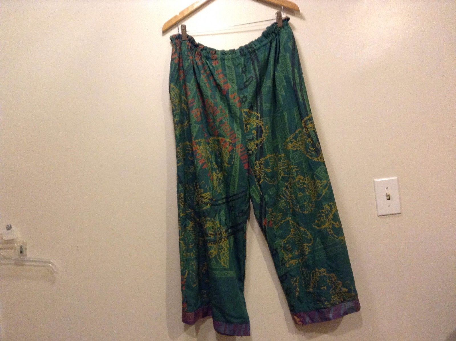 Great Condition Visual Professional One Size Fits Most Pants Rayon Blend