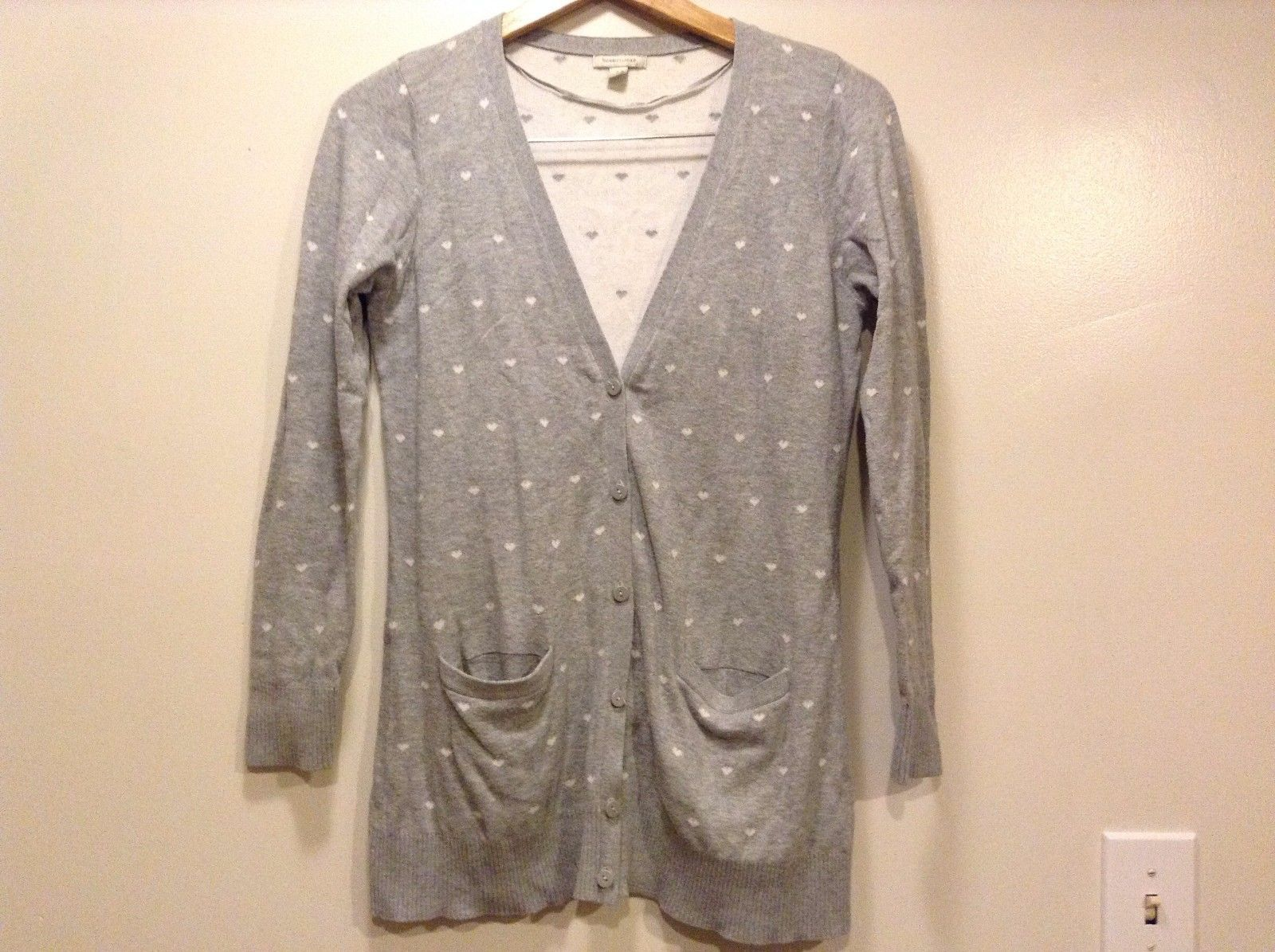 Great Condition Bossini Small Ladies Gray White Hearts 2 Pockets Cardigan