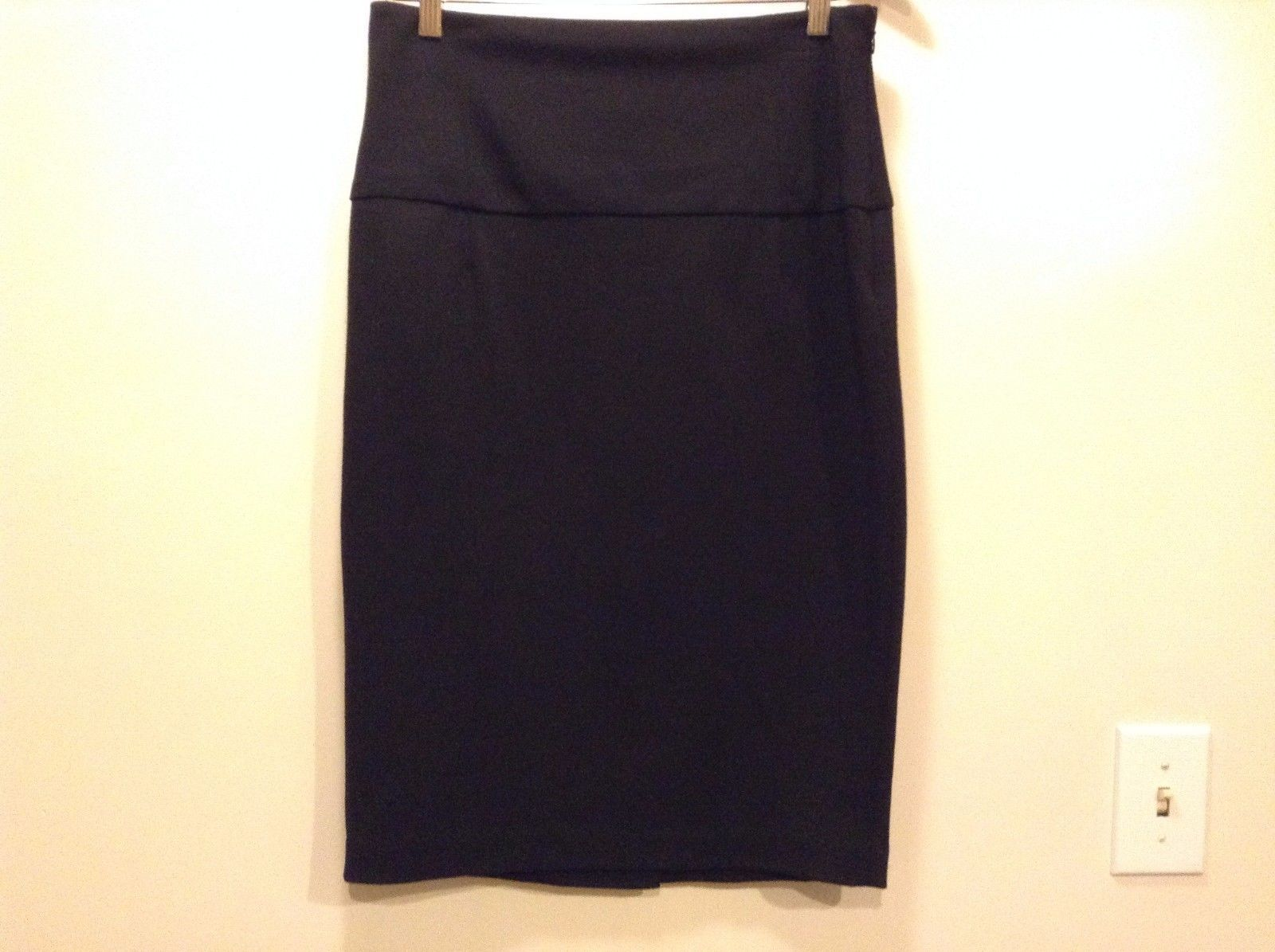 Great Condition Kenneth Cole Size 8 Black 2 Sewn Pockets Polyester Blend Skirt