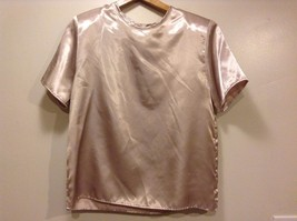 Great Condition Dina Ariel 100% Polyester Button Back Blouse Beige