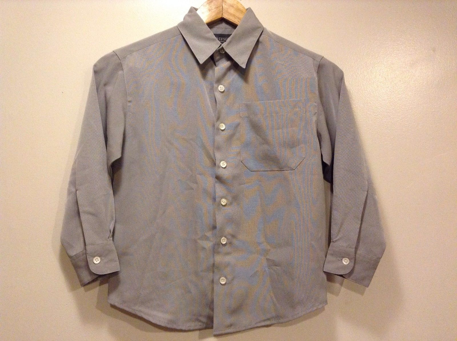 Great Condition Van Heusen Small Size 8 Gray Grid Button Up Shirt Polyester