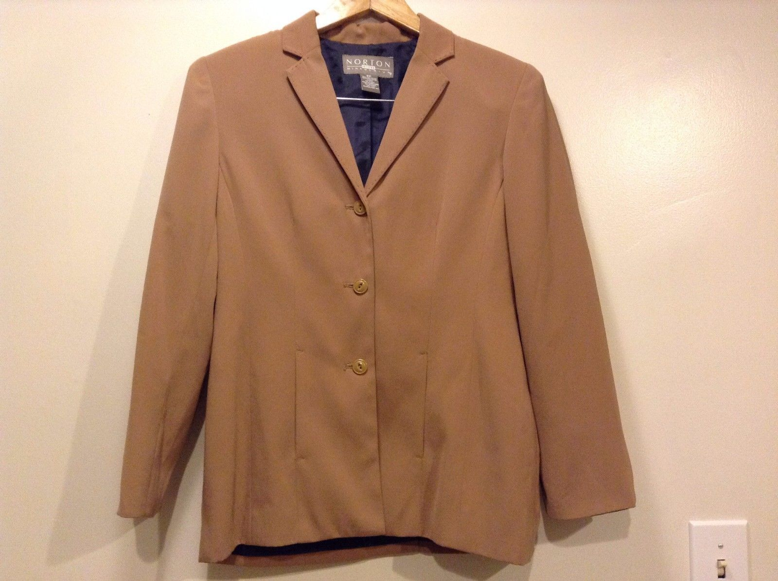 Great Condition Norton McNaughton Size 8 Petite Brown Button Up Blazer Polyester