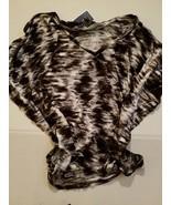 Marina Luna Juniour Womens Shirt Size Med NWT Black White - $16.81