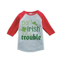 Custom Party Shop Boy's St. Patrick's Day Vintage Baseball Tee 2T Red and Grey - $20.58