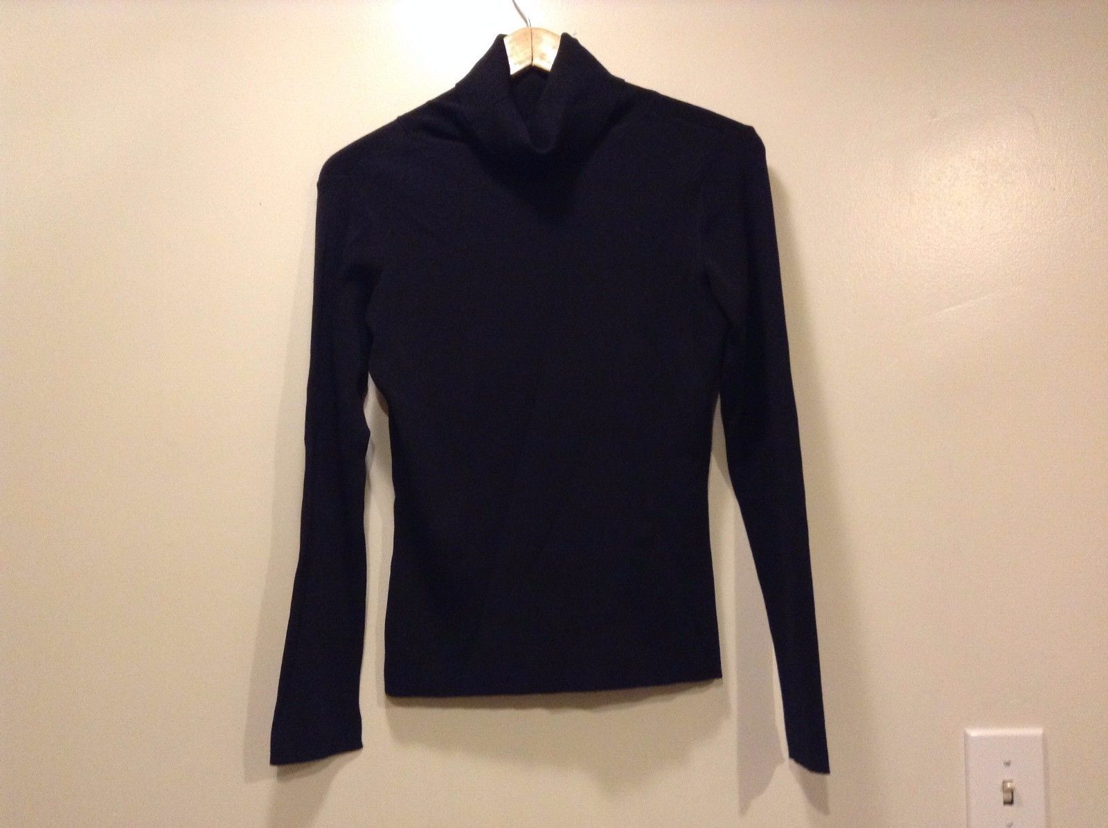 Great Condition Black Turtleneck Elastic Shirt