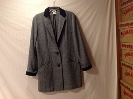 Preowned/great condition Travel Smith Women's large gray light weight blazer
