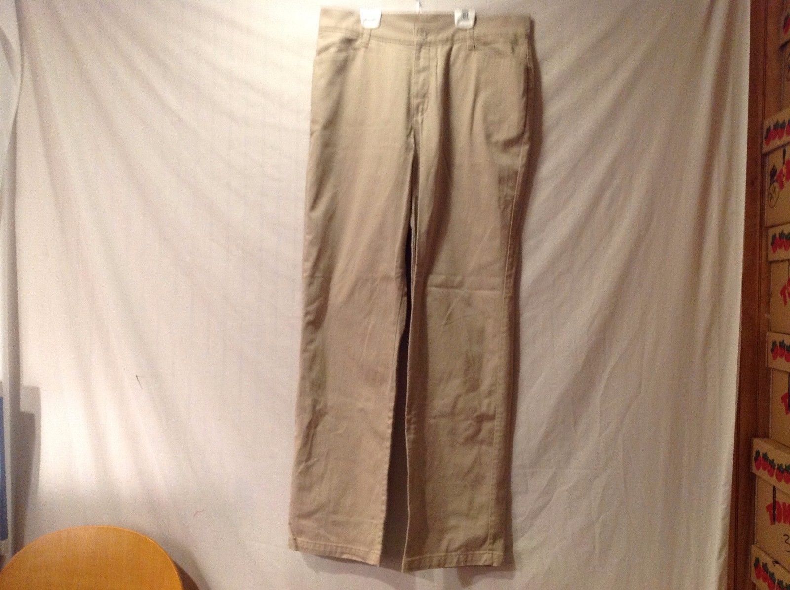 Great Condition Lee Relaxed Fit Cotton Blend Size 16 Tall Pants Khaki