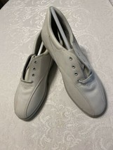 Easy Spirit Harbor Ice Doe Buc Lace Up Sneakers Oxfords - size 8.5 D - $44.55