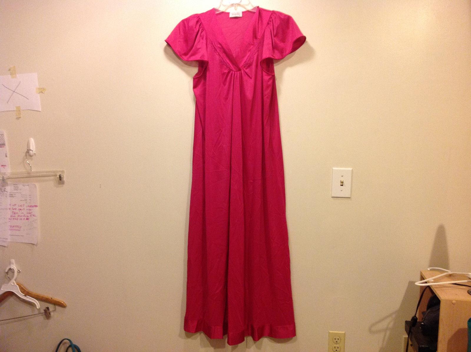 Vanity Fair Meddium v-neck dress