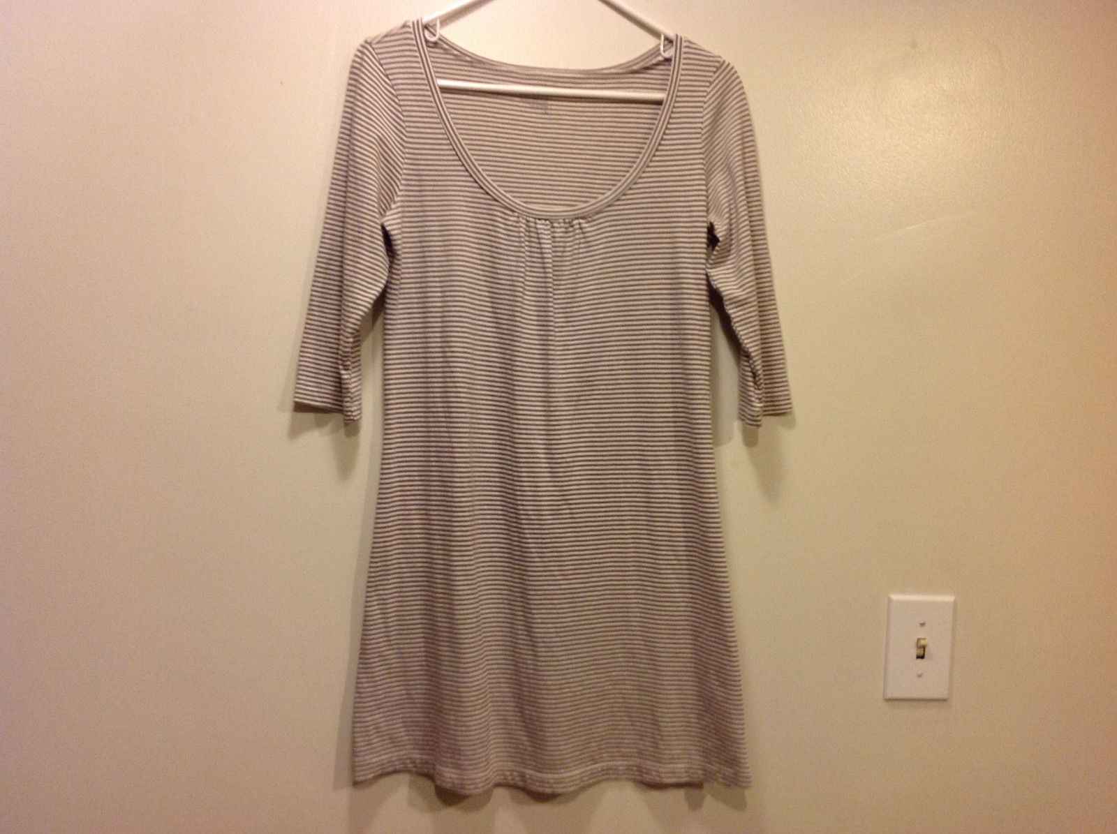 Old Navy Scoop Neck striped dress