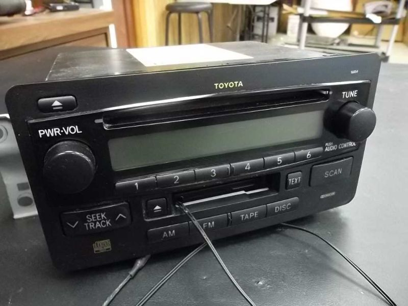 Radio Cd Player Toyota Sequoia 86120 0c071 And 50 Similar Itemsrhbonanza: 2000 Toyota Corolla Oem Radio Cd Player At Gmaili.net