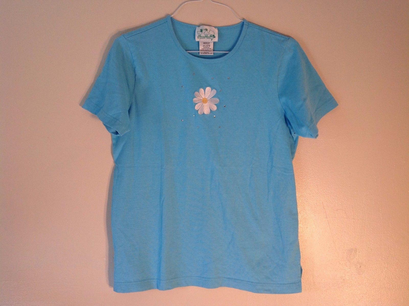 The Quacker Factory Medium Sky Blue Crewneck T-Shirt 100% Cotton Daisy Patch