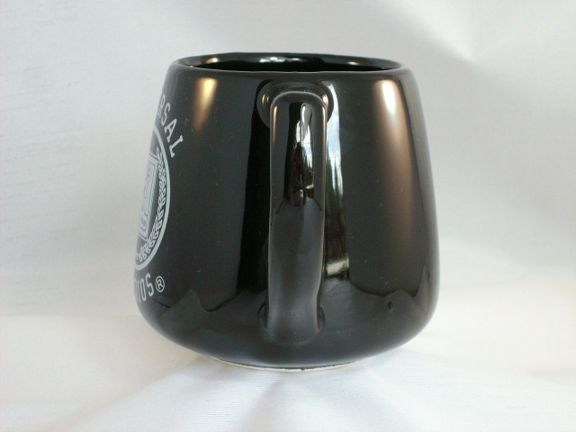 VINTAGE 1988 UNIVERSAL STUDIOS BLACK CERAMIC COLLECTIBLE MUG - MINT!