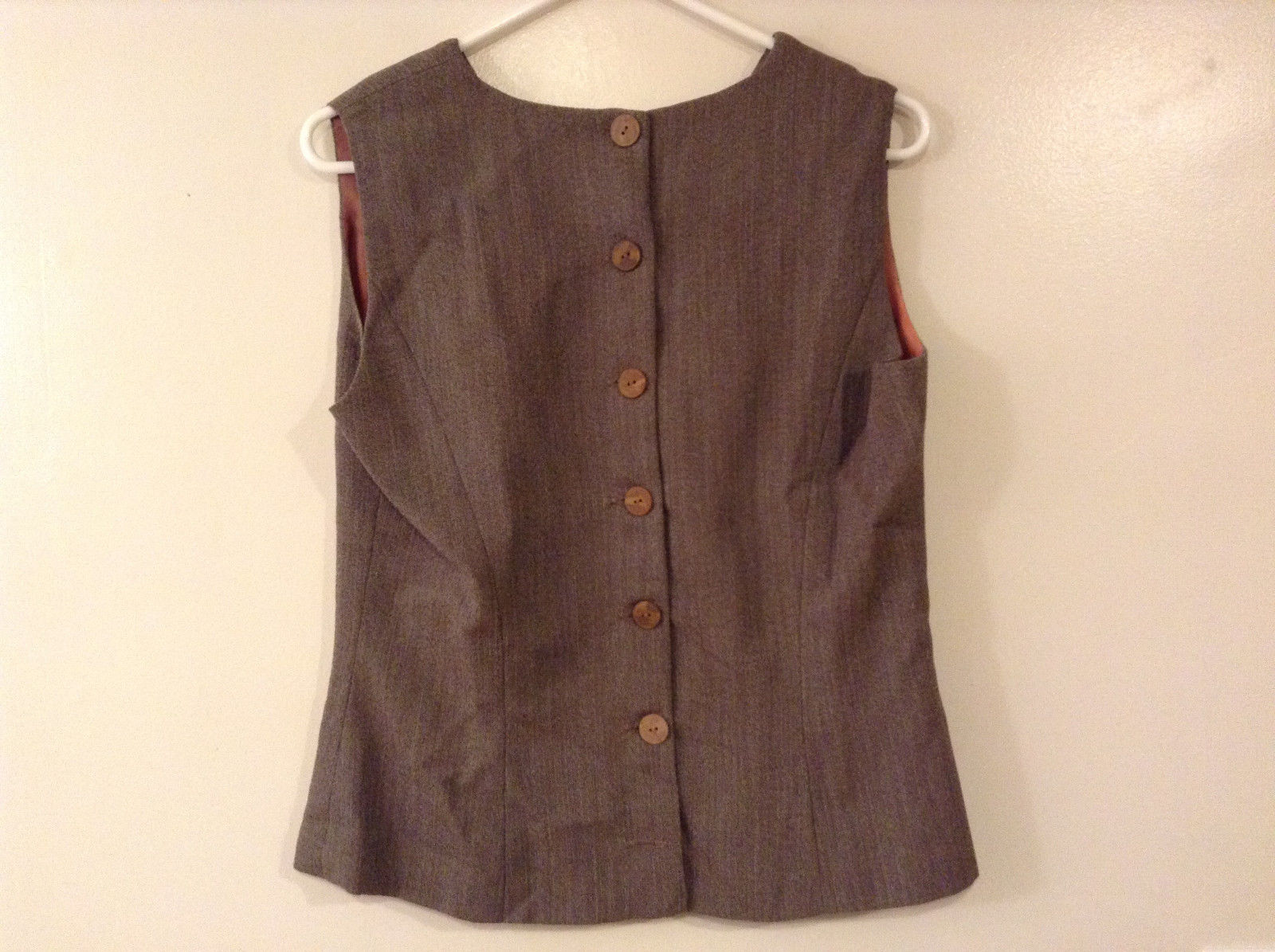 Brand Unknown Ladies Size M Sleeveless Vest Tan Brown Tweed Look Buttons Closure