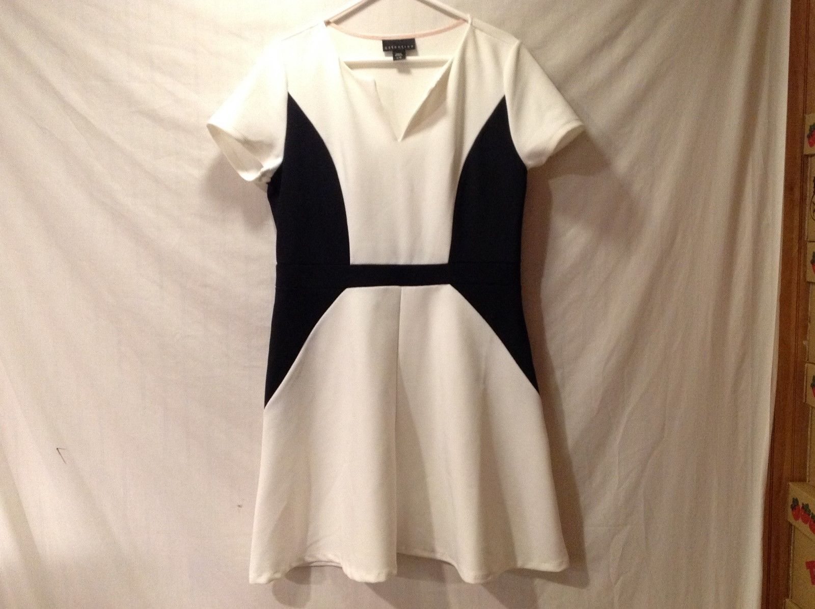 Womens ATTENTION Color Block Ivory Black Dress