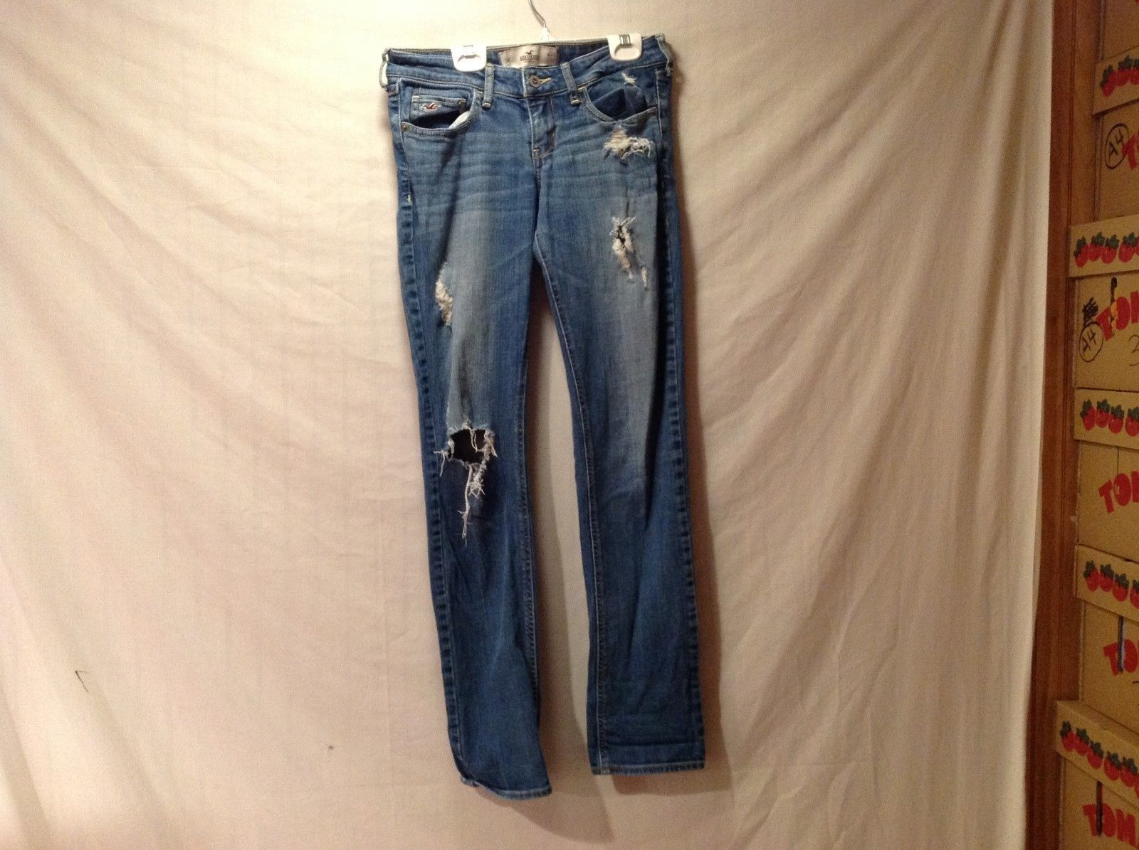Womens Hollister Classic Cut Fashionable Ripped Jeans