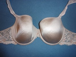 Unbranded 32D GUC Shimmery Beige w/ Floral Lace Band Light Padded UW Demi - $7.70