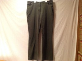 Great Condition L.L. Bean Women's 18 Tall Cotton Blend Olive Pants Button Zipper
