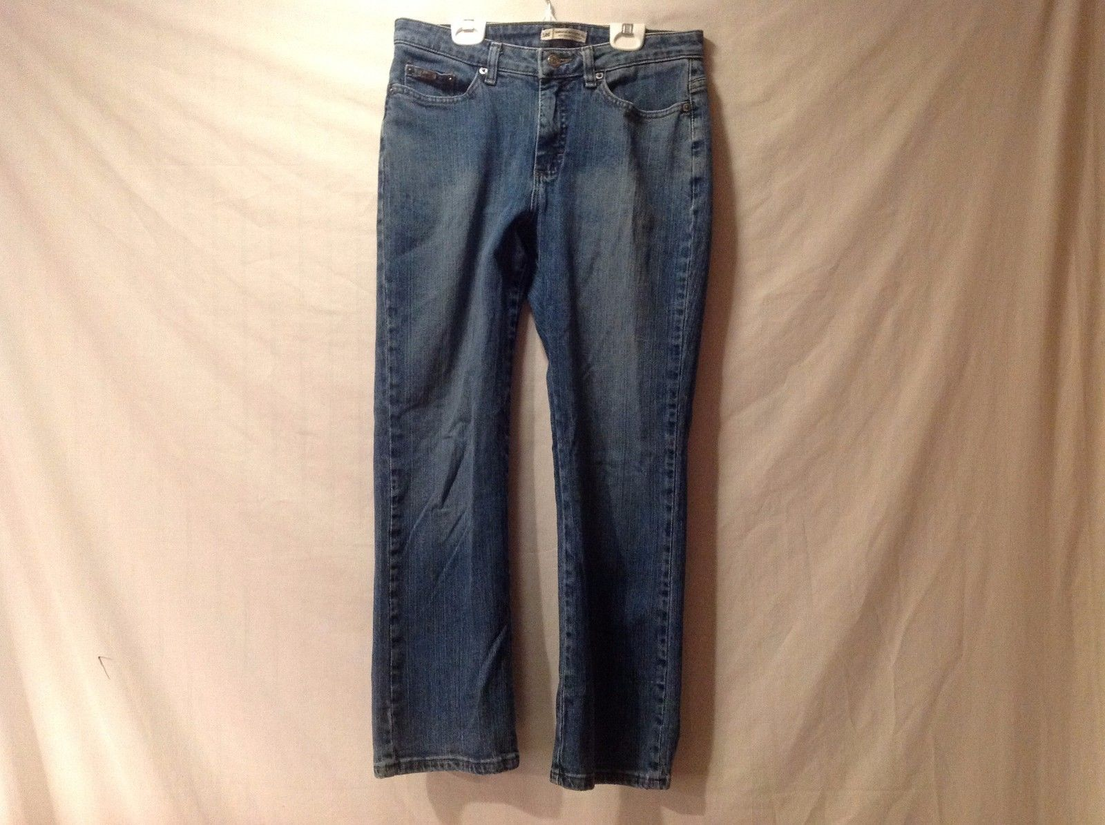 Great Condition Lee Natural Straight Leg Size 8 Petite Blue Jeans Cotton Blend