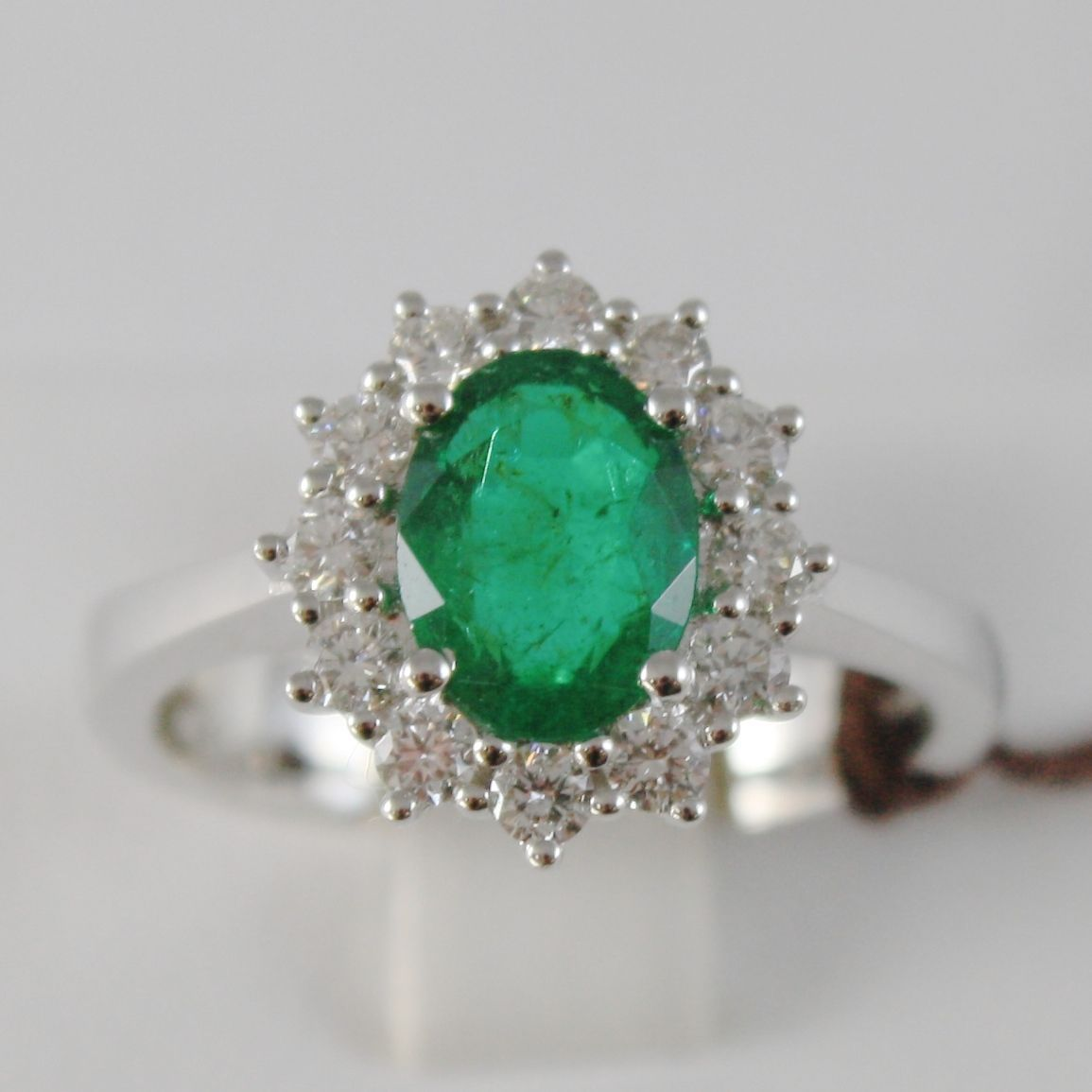 18K WHITE GOLD FLOWER RING WITH DIAMONDS & OVAL GREEN EMERALD, MADE IN ITALY