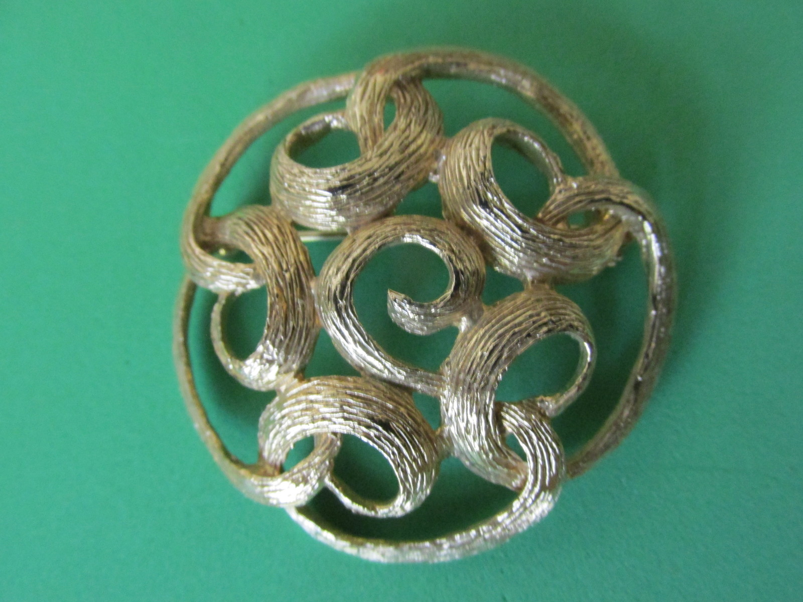 Retro Vintage Lot of Sarah Coventry Gold Toned Pins / Brooches - 1960s / 1970s