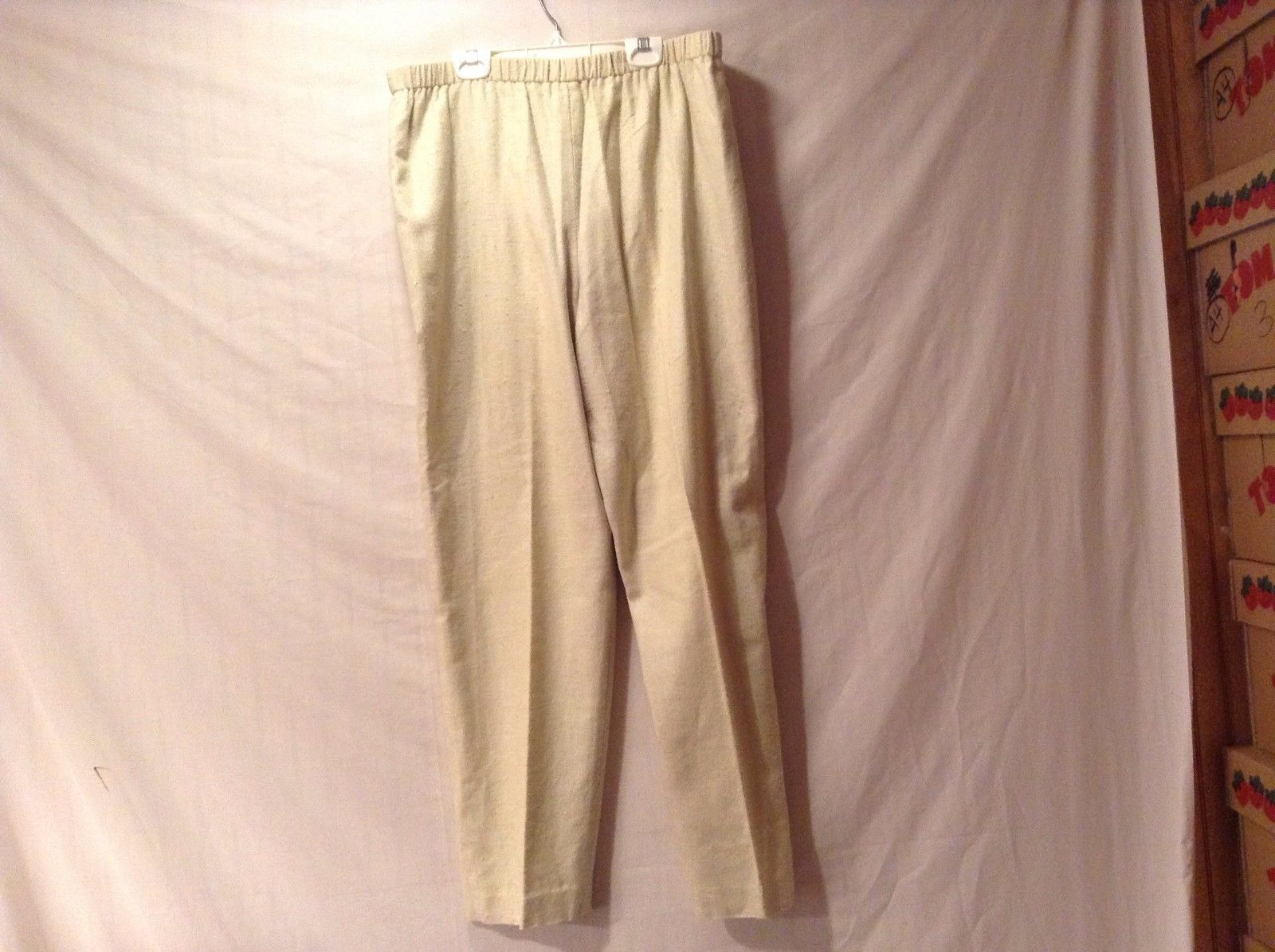 Great Condition Annie Walwyn-Jones Large Elastic Waist Pale Yellow Pants