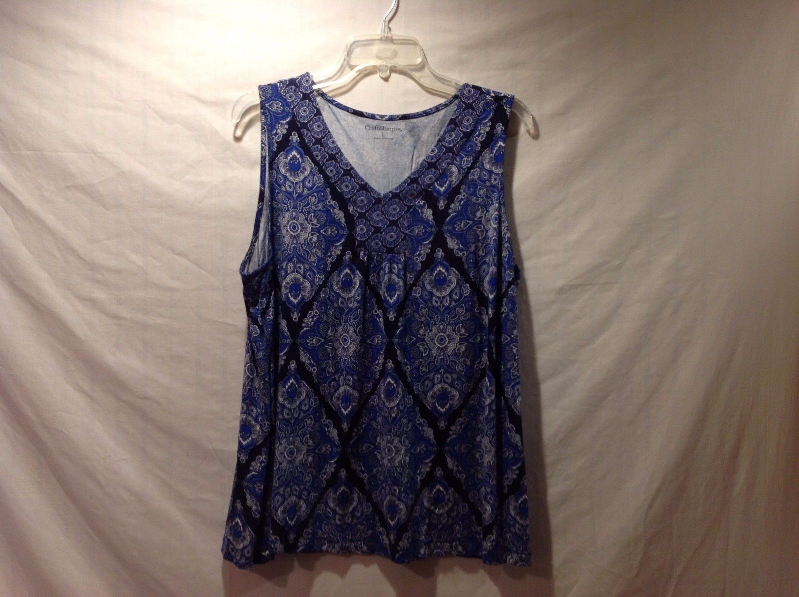 Great Condition Croft & Barrow Blue Lavender Floral Paisley Sleeveless Blouse