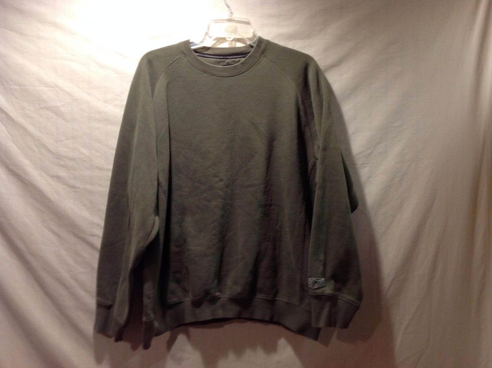 Great Condition IZOD Perform X Long Sleeve Sweater Large Olive Green
