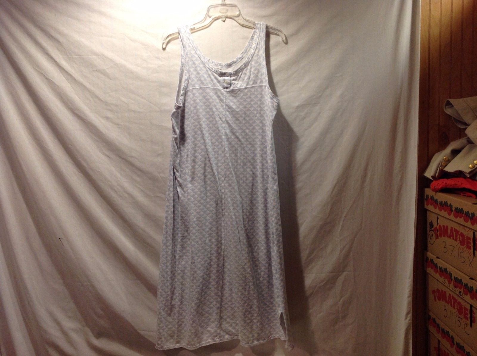 Great Condition Large Light Blue Gray Heart Triangle Patterned Nightdress