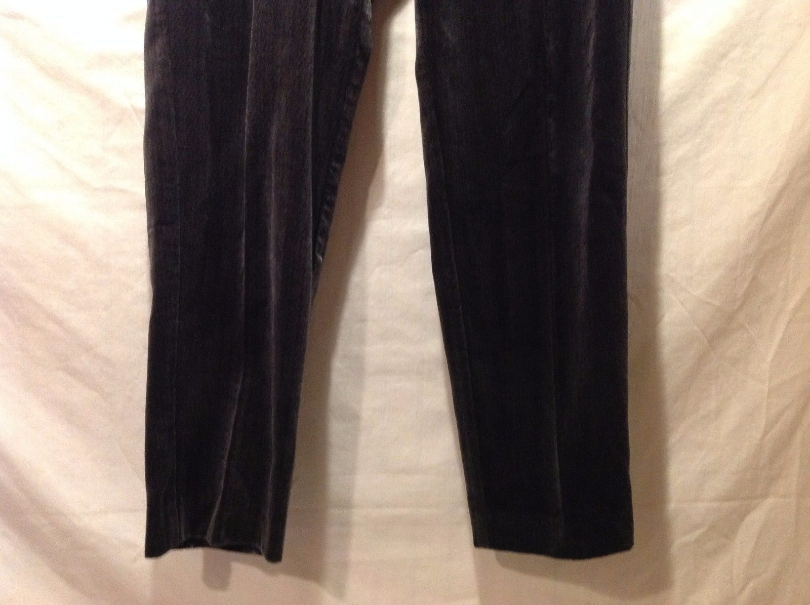 Great Condition Dark Gray Chevron Patterned Long Pants Size 8 Liz Claiborne