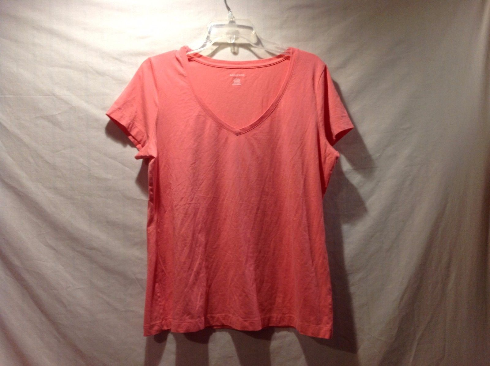 Great Condition Land's End V-Neck T-Shirt Salmon Pink Large Short Sleeved Shirt