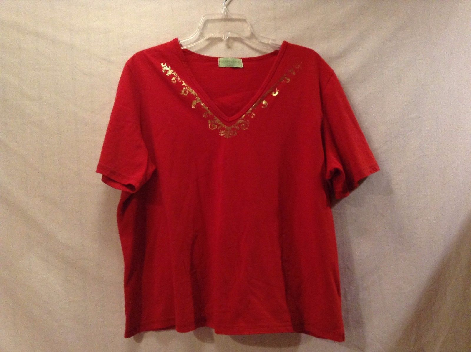 Great Condition Red V-neck Tee Gold Regal Design Neckline Silverwear Shirt