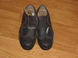MENS DOCKERS OXFORD SHOES SIZE 8M BROWN LEATHER WATERPROOF NWT - $41.99