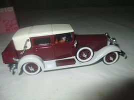 Rio Die Cast 1929 Isotta Fraschini Tipo 8a w/Display Case 1:43 Scale, Italy - $32.50