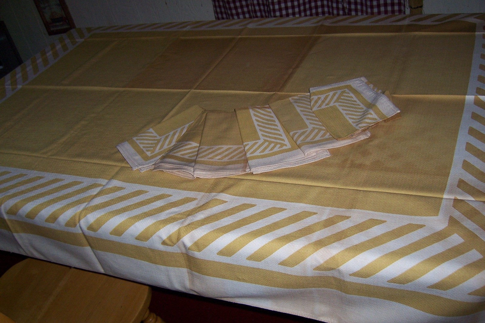 Mint Callaway vintage tablecloth with paper tag