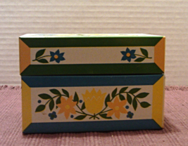 Vintage Recipe Tin Blue and Yellow Flowers Syndicate MFG Recipe File Box  - $10.50